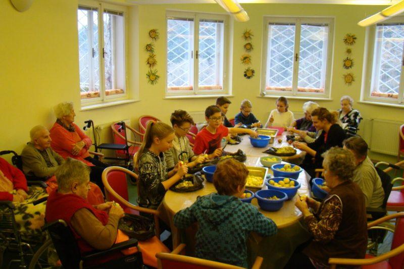 projekt 5. třídy - Stavíme most mezi generacemi