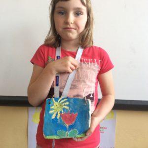 Portrét a keramická destička ke Dni matek