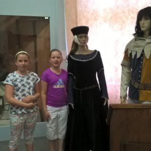 čtyři princezny a rytíř