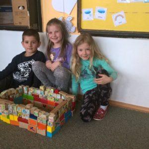 Centra aktivit 1. třída: Objevy a vynálezy - Linda, Zoinka a Tobík