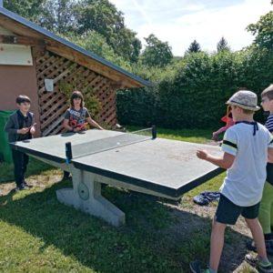 hrajeme ping pong